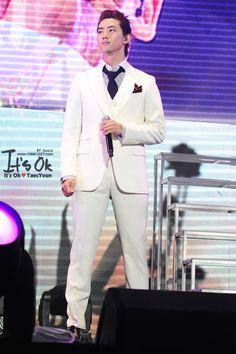 "[FAN] 17112012 – 2012 2PM LIVE TOUR ""What Time Is It"", SHANGHAI. ©It's Ok by Jessie www.19881227.com"
