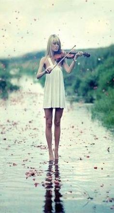 ♫♪ Music ♪♫ Violin girl in white Fiddling In The Petal Drops