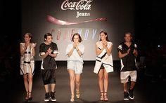 Sophia Abrahão, Fiuk, Bruna Marquezine e Di Ferrero desfilam para a Coca-Cola Jeans - Moda - CAPRICHO