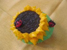 Cute Sunflower & Ladybug Cupcakes