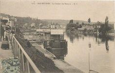 Paris, Bas Meudon, bateaux mouches Parisiens