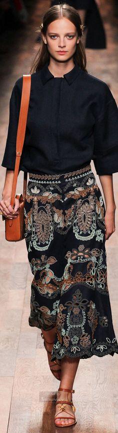 Valentino Spring 2015 – High Fashion / Ethnic & Oriental / Carpet & Kilim & Tiles & Prints & Embroidery Inspiration / 全身買取したいスタイル。カバンの色が絶妙だと思うのです。