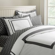 Suite Organic Duvet Cover + Sham #potterybarnteen  Polka dots combined with striped outline