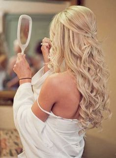 Trendy wedding hairstyles with bangs half up haircuts ideas Wedding Hairstyles Half Up Half Down, Wedding Hairstyles For Long Hair, Hairstyles With Bangs, Vintage Hairstyles, Elegant Hairstyles, Vintage Updo, Formal Hairstyles Down, Hairstyle Ideas, Prom Hairstyles For Long Hair Half Up