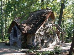 Fairy Tale cottage, creepy or cute?  Cute .... of course !!