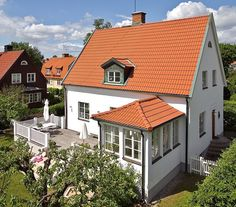 House Windows, Facade House, German Houses, Sweden House, Small Buildings, House With Porch, House Extensions, Scandinavian Home, Classic House