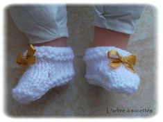 Infant booties 36 cm and tutorial The lollipop tree Baby Doll Clothes, Baby Dolls, Mom And Baby, Baby Kids, Baby Booties, Baby Shoes, Baby Sewing Tutorials, Lollipop Tree, Baby Born
