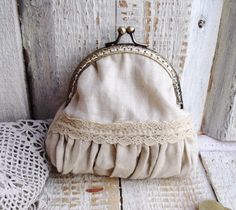 Vintage feeling beige romantic laced frame purse by diohej on Etsy