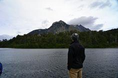 Disfrutar la vista. Lago escondido, Bariloche, Argentina