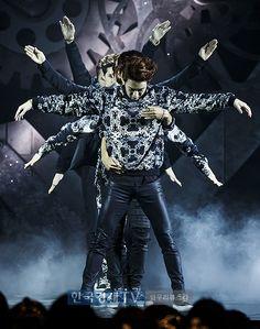 VIXX with their incredible choreo for ERROR intro