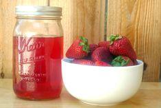 Licor de fresa: cómo prepararlo en casa