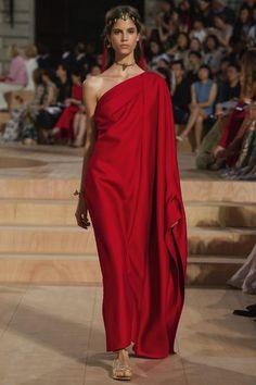 Valentino, haute couture A-H 15/16 - L'officiel de la mode
