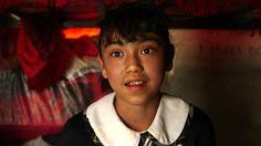 Es una de las mejores alumnas de su escuela pero no le dan una beca por no tener domicilio. Pamela, de 11, le cuenta a BBC Mundo su lucha en el único país de la región que no logró reducir la pobreza en las últimas décadas.