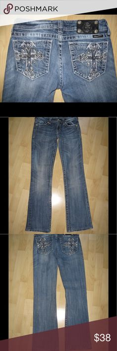 """Miss Me Distressed Jeans w/ Bling Distressed Bootcut jeans w/ studs & rhinestones. Very good condition. 32"""" inseam. Ask any questions! 📦Same/ Next Day Shipping 🚫Paypal/ Trades ✅Bundles 🚫Smoke Free Miss Me Jeans Boot Cut"""