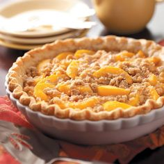 Mom's Peach Pie Recipe -A delightful summertime pie, this dessert is overflowing with fresh peach flavor. Each sweet slice is packed with old-fashioned appeal. The streusel… Peach Pie Recipes, Sweet Recipes, Recipes With Fresh Peaches, Köstliche Desserts, Dessert Recipes, Dessert Healthy, Quiches, Yummy Treats, Yummy Food