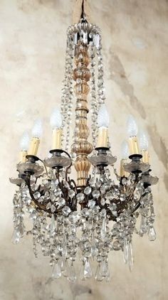 Beautiful Old Chandelier. Chandelier Bougie, Antique Chandelier, Chandelier Lighting, Crystal Chandeliers, Country Chandelier, French Chandelier, Lamp Light, Light Up, French Decor