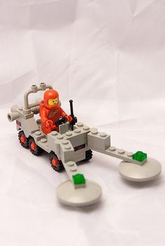 Old school space Lego. Love it.
