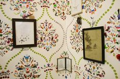 The 'wallpaper' you see is not actually wallpaper but carefully composed sticker collages and patterns. Incredible!