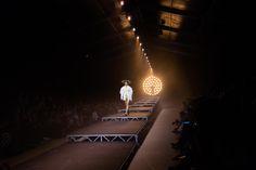 http://blog.bureaubetak.com/post/151289054679/jacquemus-ss17-show-espace-ephemere-des-tuileries