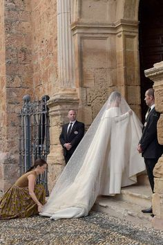 boda de Alejandro Santo Domingo y Lady Charlotte Wellesley Lady Charlotte Wellesley, Wedding Bells, Wedding Bride, Bridal Gowns, Wedding Gowns, Perfect Wedding, Dream Wedding, Royal Weddings, Bridal Beauty