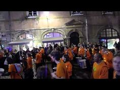 December late night drumming fun in Lyon's vieux ville Marching Drum, Travel Information, Late Nights, Provence, Drums, Walking, France, Culture, Explore