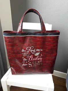 Sac cabas Cabôtin rouge foncé brodé cousu par Jocelyne - Patron Sacôtin