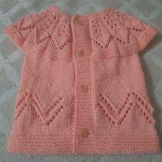 Yakadan Başlama Ajur Süslemeli Yaprak Desenli Bebek / Çocuk Yeleği Yapımı. Baby Knitting Patterns, Baby Cardigan Knitting Pattern Free, Knitting Tutorials, Viking Tattoo Design, Baby Vest, Knit In The Round, Basic Outfits, Moda Emo, Baby Kind