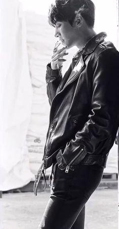 チ・チャンウク 韓国雑誌 1stlook メイキング動画 インスタ画像 タバコチャンウク画像 Ji Chang Wook Smile, Ji Chang Wook Healer, Ji Chan Wook, Handsome Korean Actors, Handsome Boys, Lee Min Ho Smile, Ji Chang Wook Photoshoot, Lee Min Ho Photos, Asian Love