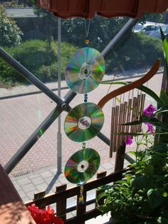 Old Cd Crafts, Yard Art Crafts, Garden Crafts, Diy And Crafts, Stained Glass Birds, Faux Stained Glass, Mirror Mosaic, Mosaic Art, Home Design