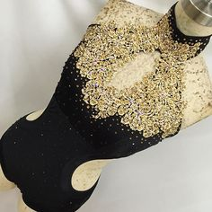 So much detail in black and gold for Terri Louise