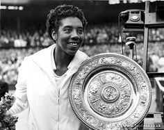 Althea Gibson paved the way for all women of color in sport. She won Wimbledon in I have held that same plate. Thank you Althea ❤️🙌🏾 Women In History, Black History, Althea Gibson, Billie Jean King, Sport Icon, Beauty Inside, Serena Williams, Wimbledon, Historical Photos