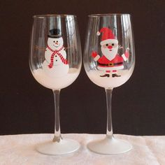 Santa and Snowman hand painted wine glasses by GlassesbyJoAnne The Snow, Christmas Wine Glasses, Wine Glass Crafts, Wine Bottle Art, Hand Painted Wine Glasses, Theme Noel, Christmas Crafts, White Christmas, Christmas Ornament