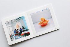 旅の思い出からポートフォリオまで。新アプリも登場の「Photoback」でつくる写真集がいろいろ使えて便利! | 箱庭 haconiwa|女子クリエーターのためのライフスタイル作りマガジン Book Design, Web Design, Zine, Photo Book, Booklet, Layout, Paper, Page Layout, Design Web