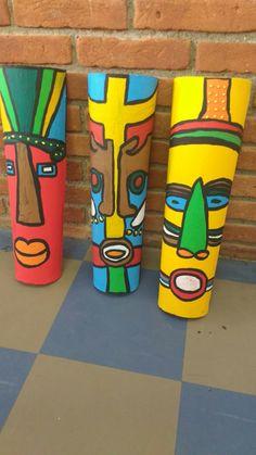 Máscaras africanas em telha