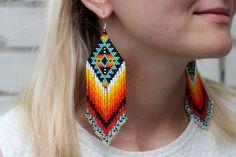 Rough white diamond drop earrings with 2 carats of raw diamonds. Definitely luxury anniversary jewelry that she w Aztec Earrings, Beaded Earrings Patterns, Bar Stud Earrings, Jewelry Patterns, Beading Patterns, Knitting Patterns, Beaded Earrings Native, Art Patterns, Mosaic Patterns