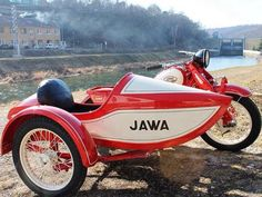 Jawa Vintage Motorcycles, Cars And Motorcycles, Jawa 350, Side Car, Motorcycle Store, Moto Bike, Retro Futuristic, Old Bikes, Bike Design