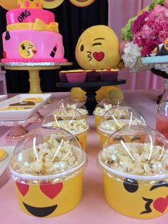 Gabriela's Emojinal Party | CatchMyParty.com