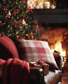 Cosy Christmas, Christmas Porch, Christmas Scenes, Country Christmas, Outdoor Christmas, Christmas Decorations, Primitive Christmas, Christmas Snowman, Christmas Ideas