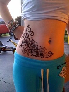 great-floral-arabic-mehndi-designs-on-belly-for-girls