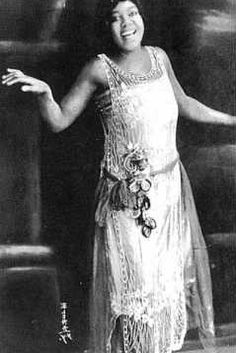 """Bessie Smith was an American blues singer. Nicknamed """"The Empress of the Blues"""", Smith was the most popular female blues singer of the and She is regarded as one of the greatest singers of her era and a major influence on many blues and jazz vocalists. Louis Armstrong, Black Is Beautiful, Beautiful People, Beautiful Voice, Jimi Hendricks, Bessie Smith, Mazzy Star, Belle Epoque, Blues Artists"""