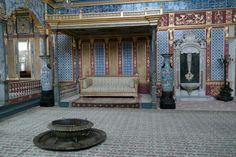 검소함 이 묻어나는 istanbul 토프카프 궁전 ... 그 중 하렘의  임페리얼홀이 가장 화려하다네요~~