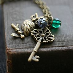 Owl necklace with skeleton key