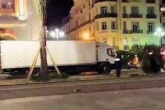 """Na de aanslag in Nice, waarbij een vrachtwagen inreed op het publiek, verschenen diverse respectloze berichten in de media. Internetters reageren woedend op de berichten, zo kort na het drama. Slechts enkele uren na het bloedbad kwamwebsite NU.nl al met een liveblog. """"Walgelijk"""", reageert een woedende lezer. """"Dit doe je niet, zo kort na deze tragische gebeurtenis."""" De Telegraaf publiceerde [...]"""