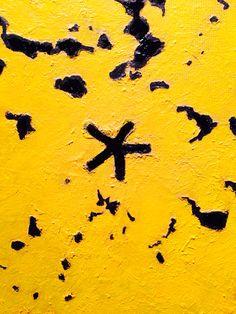 Yellow star. Detail