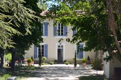 a beautiful guest house in grambois, provence. say hello to the lovely hosts, tim and danielle (http://en.lechatdanslabastide.com)