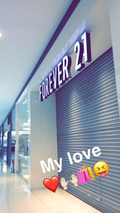 Forever 21 is like my target of clothes ❤️ Applis Photo, Photo Look, Photo Instagram, Instagram Feed, Selfie Foto, Funny Snapchat Stories, Minions, Love Hurts Quotes, Lightroom