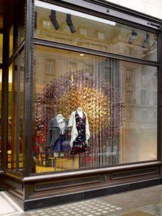 Great window at the Regent Street Anthropologie store in London. Display Shop, Shop Window Displays, Display Window, Window Art, Window Ideas, Store Displays, Design Café, Design Blogs, Store Design