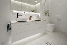 Walking into Courtney & Hans' Main Bathroom, Shaynna was impressed at the variou. White Vanity Mirror, Beaumont Tiles, White Wall Tiles, Bathtub Tile, Bathroom Flooring, Bathroom Renos, Bathroom Ideas, Ensuite Bathrooms, Bathroom Photos