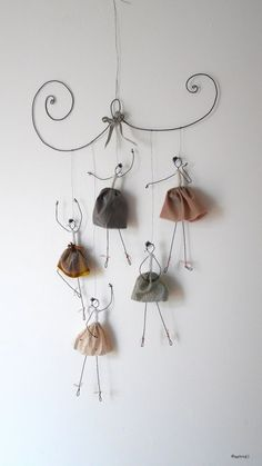 Make a simple diy to decorate your home page 29 of 56 – Artofit Wire Crafts, Diy And Crafts, Crafts For Kids, Arts And Crafts, Paper Crafts, Diy Projects To Try, Art Projects, Le Blog De Vava, Wire Art Sculpture