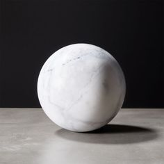 Sleek white marble sphere fills space elegantly within a bowl. The ideal companion to our black marble sphere. Lack of a flat side means it'll roll without support. Each will be unique Clean with soft, dry cloth Made in Thailand Pink Marble, Black Marble, Decorative Objects, Decorative Bowls, Marble Ball, Garden Spheres, Home Decor Mirrors, Marble Texture, Modern Sculpture